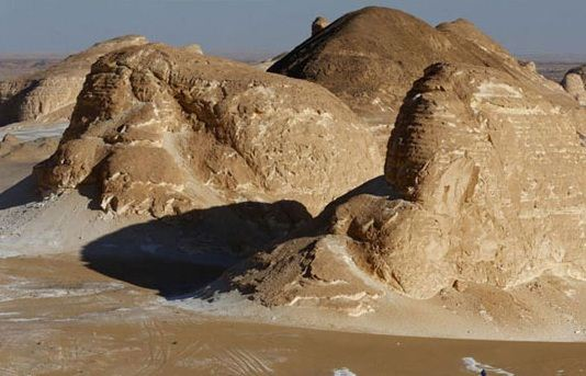 تصاویر زیبا از بیابانی با ماسه های سفید در مصر