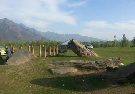 سکونت گاه صخره ای در کوه های هیمالیا + تصاویر