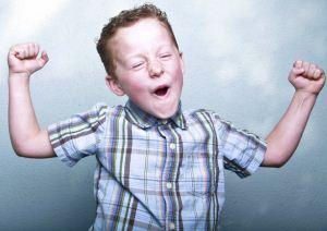 چگونه کودکان شاد تربیت کنیم؟