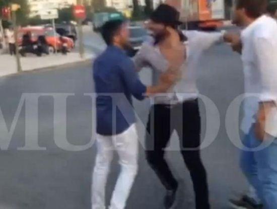 درگیری خیابانی بازیکن سابق رئال مادرید با یک هوادار + عکس
