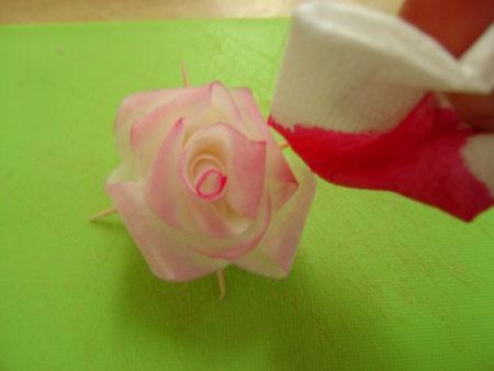 تزئین ترب و هویج به شکل گل رز (عکس)