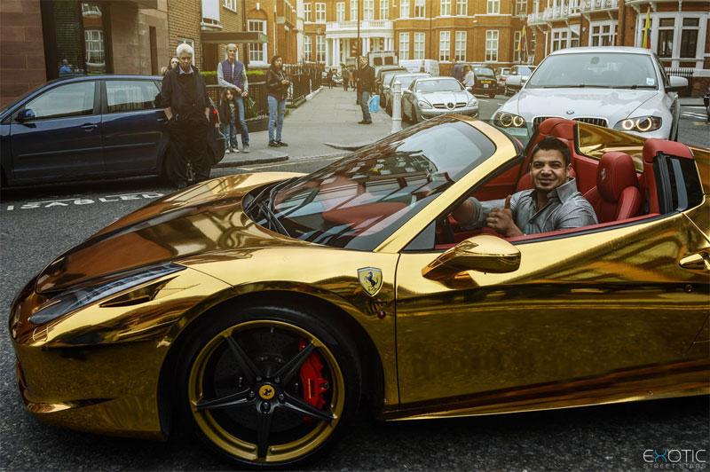 ماشین لوکس طلایی یک عراقی در لندن (عکس)