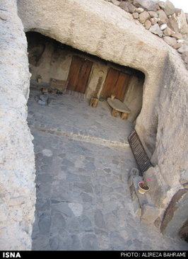 اقامت در خانه ارواح چند هزار ساله (عکس)