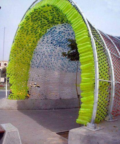 یک تونل جالب از جنس بطری در مشهد + عکس