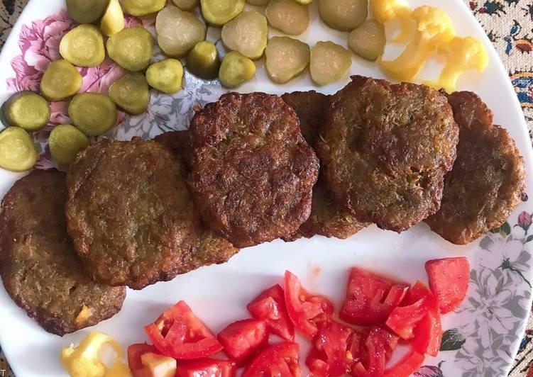 آموزش پخت کوکوی گوشت با سبزی