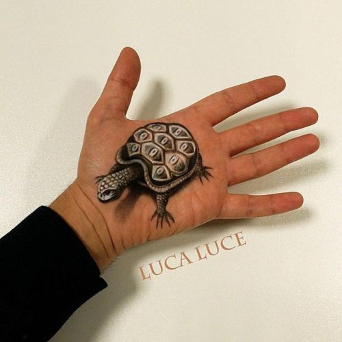 نقاشی های سه بعدی شگفت انگیز روی کف دست