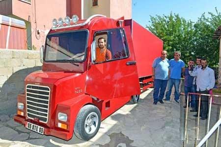 کامیونی از جنس آهن قراضه + تصاویر