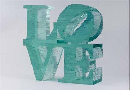تصاویر ساخت مجسمه های شیشه ای به دست یک هنرمند