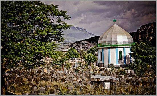 یک قبرستان عجیب اما دیدنی در مازندران + تصاویر