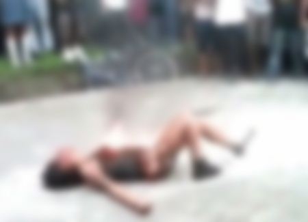 ضرب و شتم دختر 16 ساله و آتش زدن او در خیابان + تصاویر