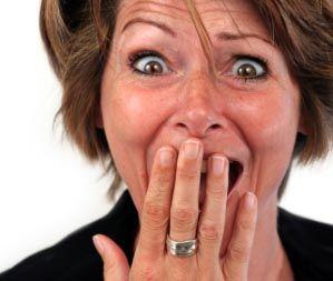 مچ گیری زنی که در ورزشگاه در حال خیانت به شوهرش بود + عکس