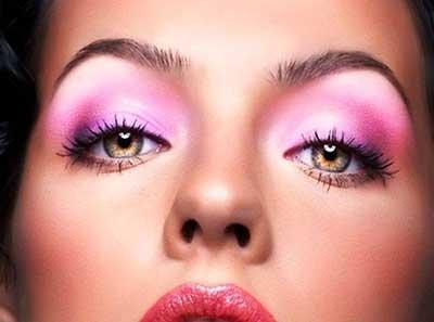 مدل آرایش چشم صورتی