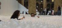 تصاویر دیدنی از تبدیل شدن یک موزه به استخر توپ