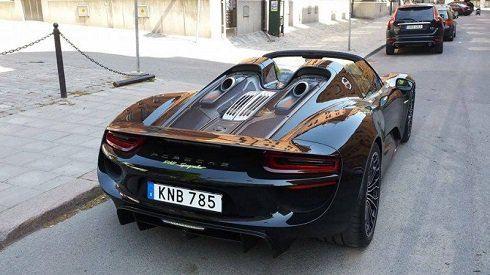 اتومبیل جدید و گرانقیمت ستاره مشهور فوتبال + عکس