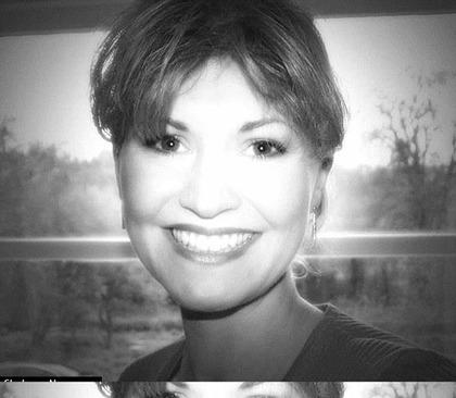 زنی زیبا که مته دریل وارد صورتش شد (+عکس)