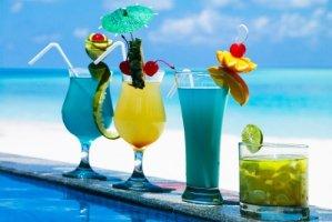 4 نوشیدنی مناسب روزهای گرم تابستان