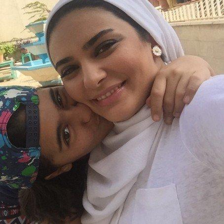 عکس های جذاب و جدید لیندا کیانی در کنار خواهرزاده اش
