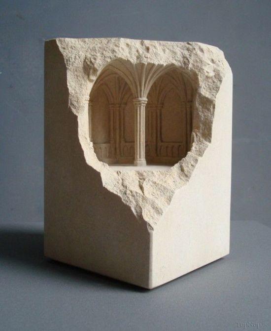 ساخت مجسمه های جالب با کنده کاری روی سنگ