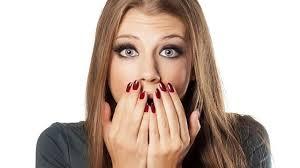 زنی که از چشمانش مواد مخدر خارج می شود + عکس