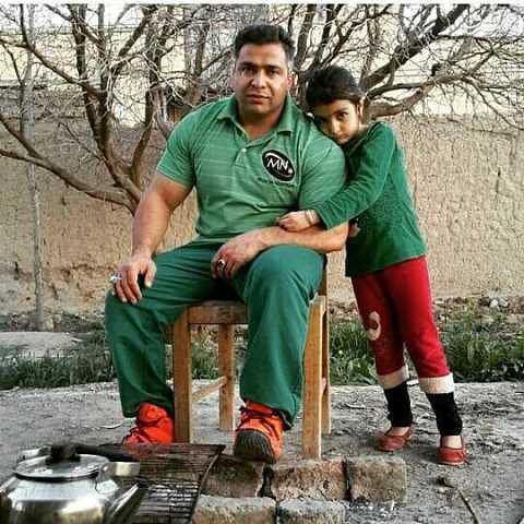 مرحوم بیت الله عباسپور و دخترش حنانه (عکس)