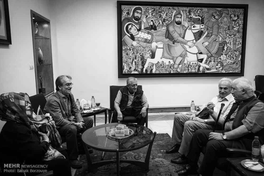 تصاویری از ساخت تندیس عزت الله انتظامی