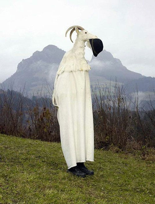 مراسمی جالب از پیروان مذهب پگان در اروپا