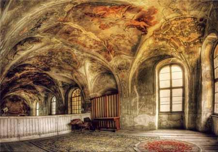 تصاویری از بناهای باستانی اروپا در حال ویران شدن