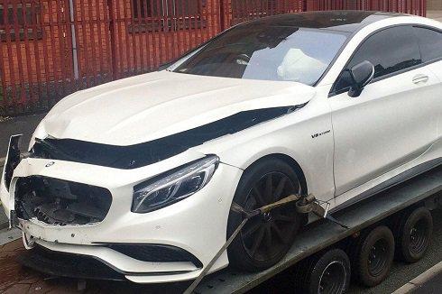 پیدا کردن مواد محرک در اتومبیل ستاره مشهور فوتبال (عکس)