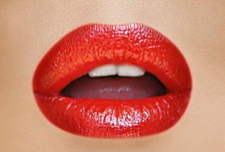جدیدترین مدل های آرایش لب با رنگ بندی شاد
