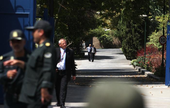 بازگشایی سفارت انگلیس بعد از ۴ سال (+تصاویر)