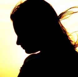 علت بیرون آمدن بی موقع شیر از سینه زنان