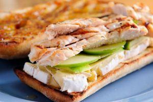 ساندویچ مرغ خوشمزه مخصوص پیک نیک