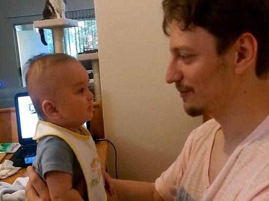 این کودک خارق العاده در 3 ماهگی حرف می زند + عکس
