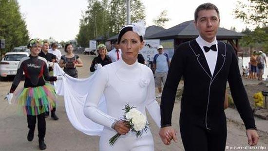 برگزاری مراسم عروسی در محل های خاص + تصاویر
