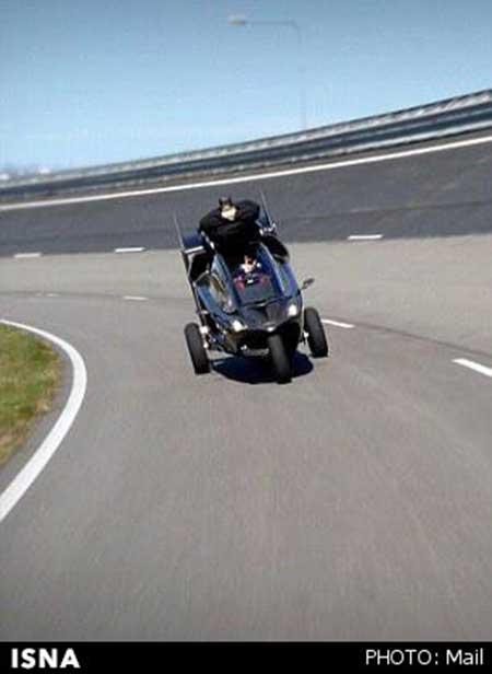 خودروی هیبریدی با قابلیت حرکت در هوا و زمین + عکس