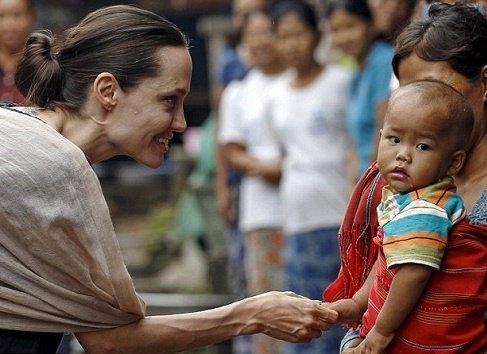 اقدام انسان خیرخواهانه جدید آنجلینا جولی + عکس