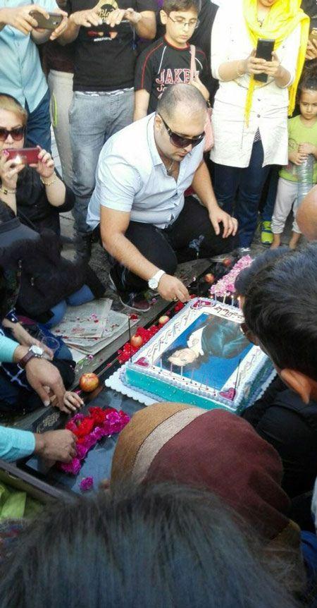 عکس های دیدنی از جشن تولد مرتضی پاشایی در بهشت زهرا