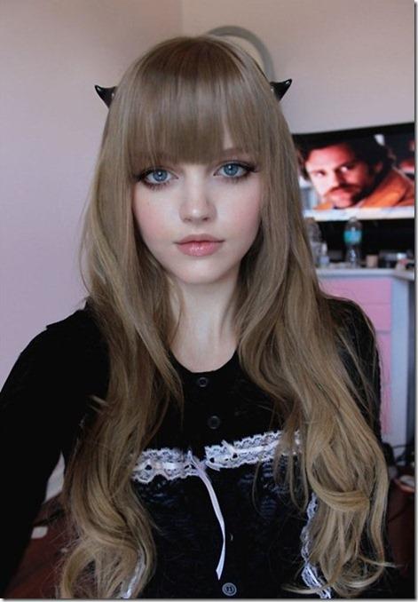 زیباترین دختر 16ساله و باربی جهان (عکس)