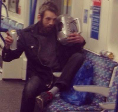عکسهای خنده دار از آدم های عجیب و غریب در مترو