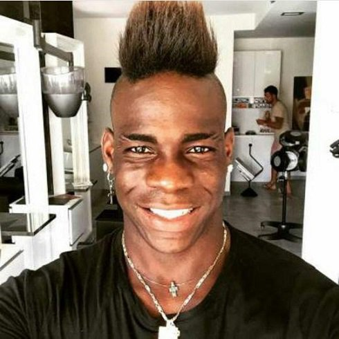 مدل موی جدید و عجیب فوتبالیست جنجالی (عکس)