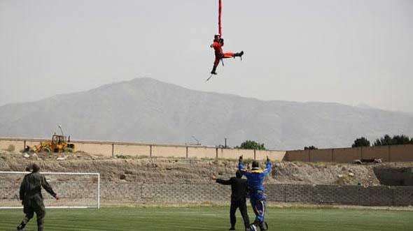 مأموریت وحشتناک این دختر 23 ساله ایرانی (+عکس)