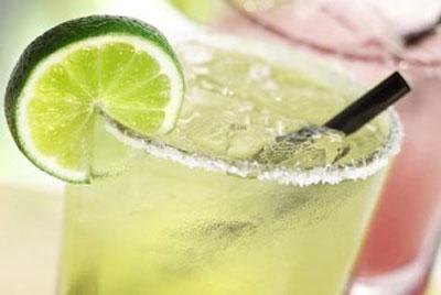 طرز تهیه یک نوشیدنی عالی