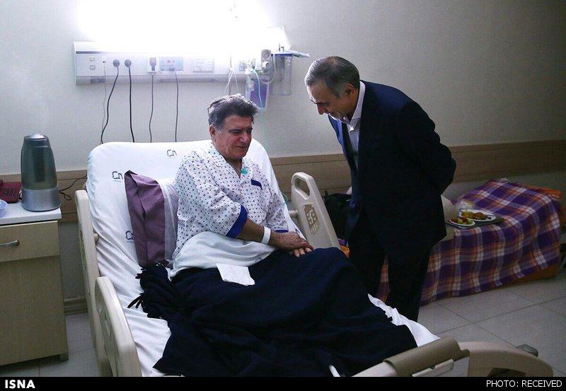 عیادت وزیر بهداشت از شجریان (+عکس)