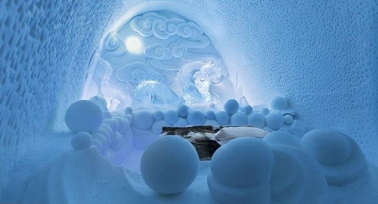هتلی عجیب از جنس یخ و برف (+عکس)