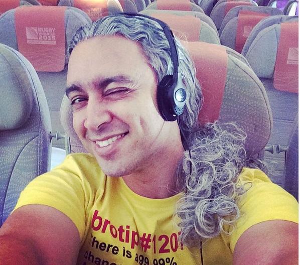 عکس سلفی دیدنی مازیار فلاحی در هواپیما