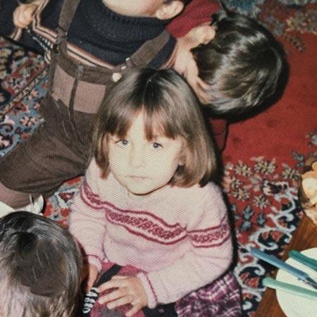 عکسی از کودکی حدیث فولادوند در سن 5 سالگی