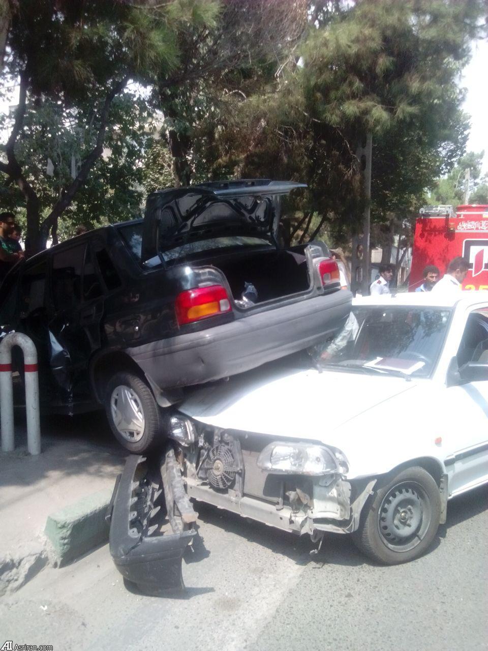 تصادف عجیب پرایدها در تهران +عکس