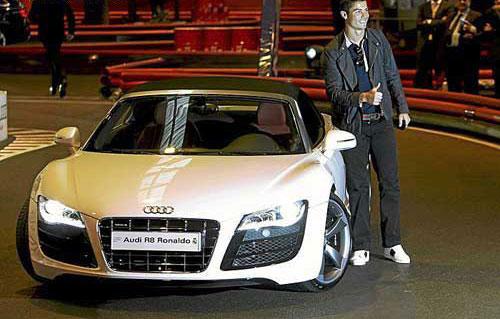 لیست تمامی اتومبیل های کریستیانو رونالدو + عکس