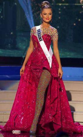 انتخاب ملکه زیبایی 2021 (+عکس)