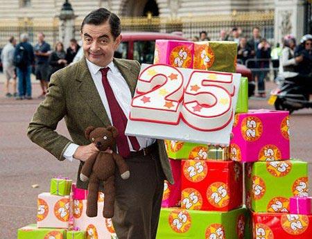 جشن تولد تماشایی 25 سالگی شخصیت مستربین + عکس